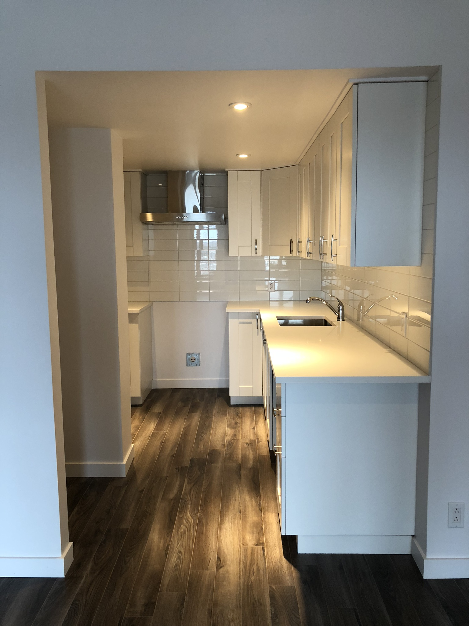 Shillerlavy Renovated 1 Bedroom Apartment On 2 Floors In Old Montreal 252 St Paul East 3